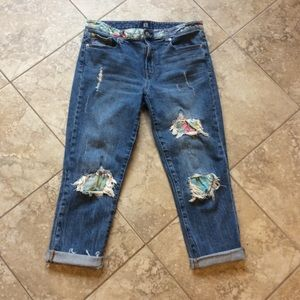 GAP size 6 best girlfriend cropped jeans patches